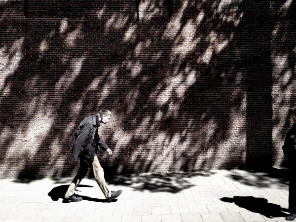 Man in schaduw